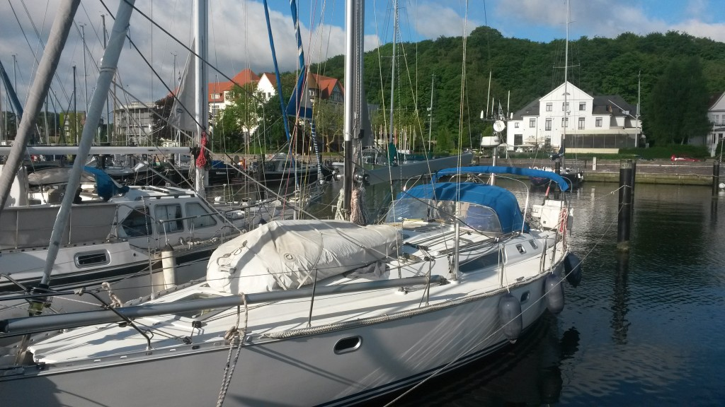 vor dem altehrwürdigen Kieler Yacht Club