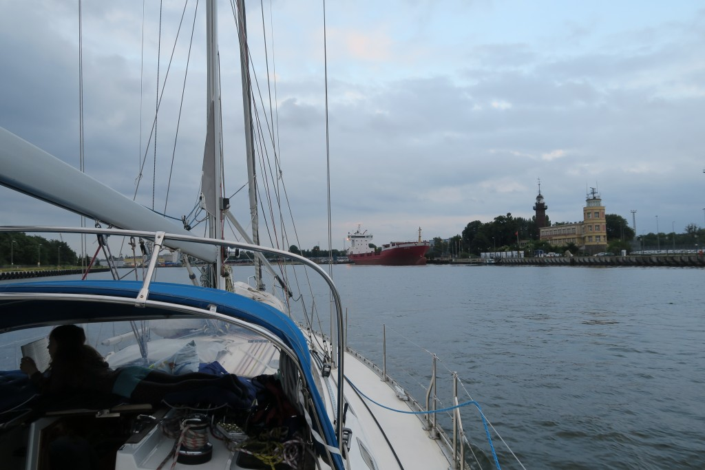 Danziger Hafenkanäle in der Abenddämmerung
