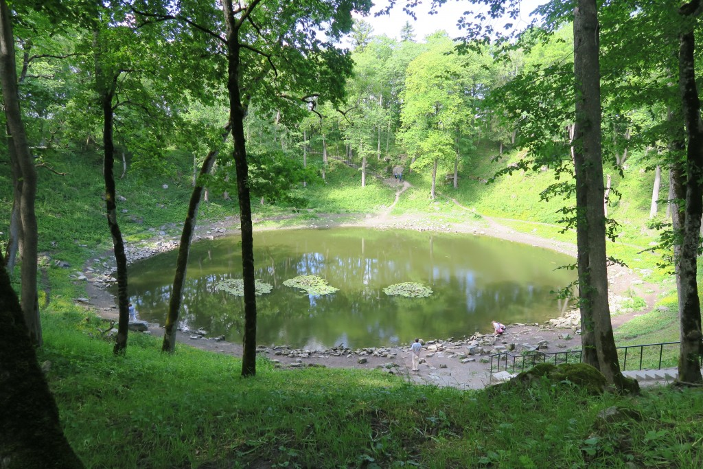 Meteoritenkrater auf Saaremaa  - der Meteorit soll nur 3 bis 6m Durchmesser gehabt haben