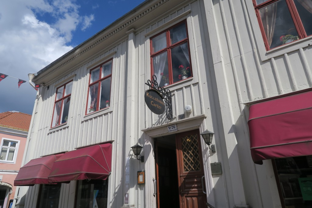 nettes Café in alter Holzvilla in Kalmar